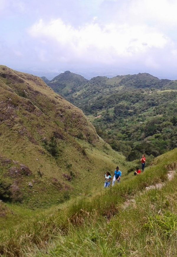 Hiking & Rappelling en el Valle de Antón: